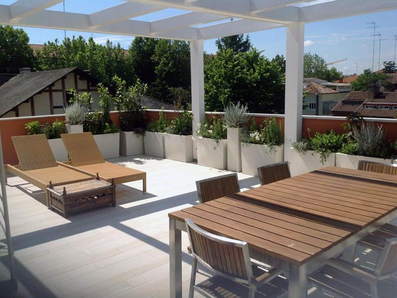 Regini fiori e piante crea il tuo habitat ascom pesaro for Arredo giardino terrazzo