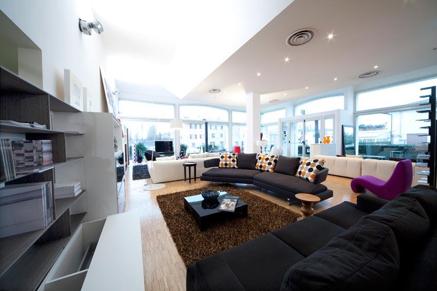 Interni pedinelli srl progettazione e arredamenti per la for Arredamenti per interni casa