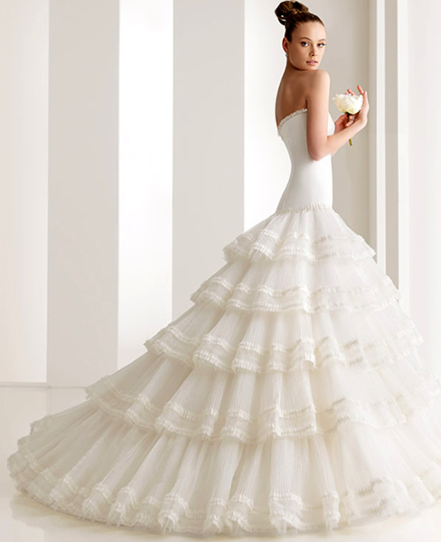 ... .it/main/apps/SchedeAssociati/images/551/1-rosaclara-sposa.jpg