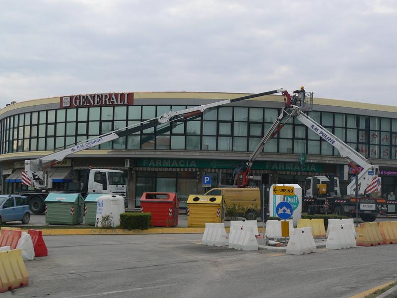 Noleggio piattaforme aeree in provincia di Pesaro e urbino