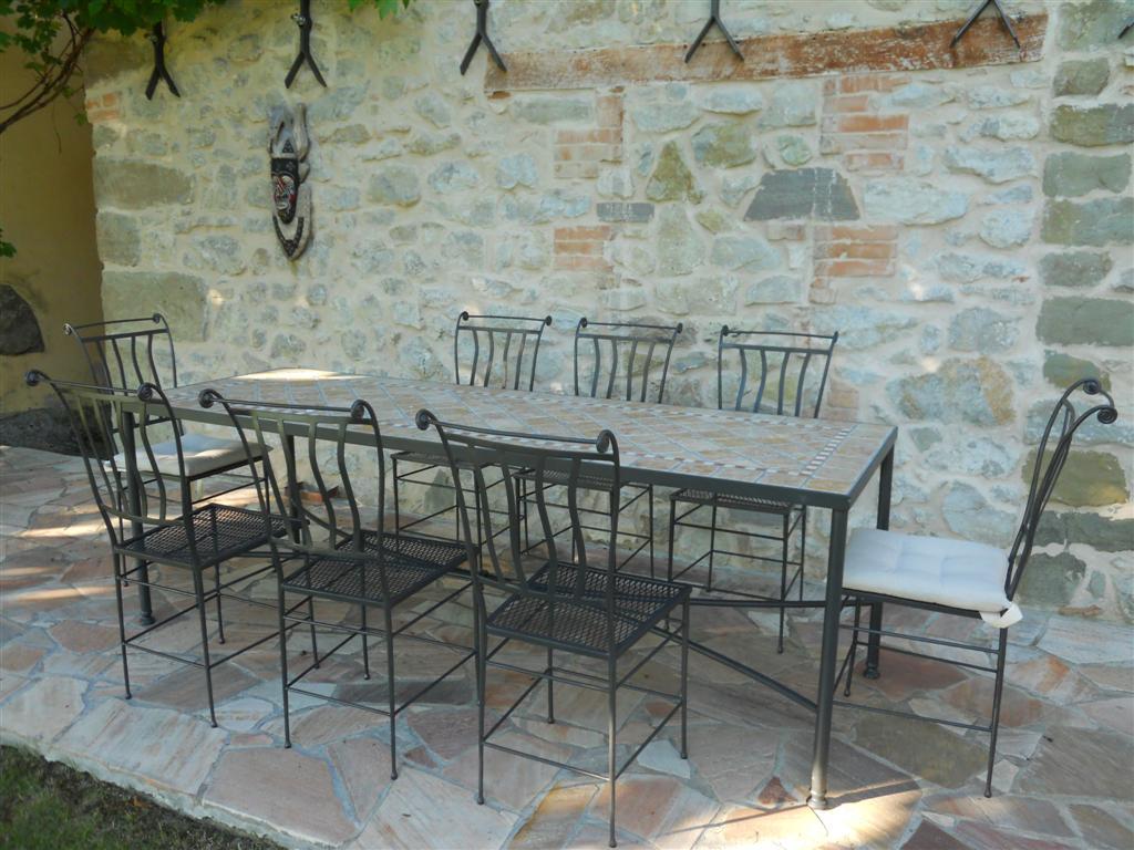 Artistica ferro battuto design e artigianato in ferro for Tavolini da esterno in ferro