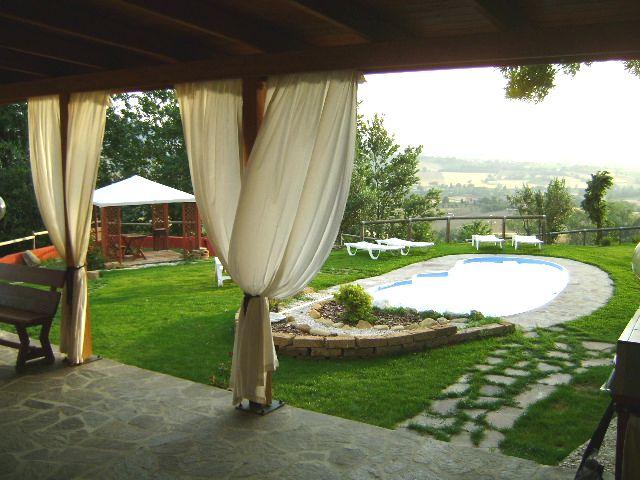 Coriandolo casa vacanze un oasi nella campagna di for Piani di casa con cucina esterna e piscina