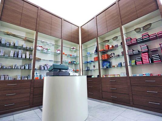 Ridolfi arredamenti srl montaggio e fornitura di arredi for Arredamenti per farmacie