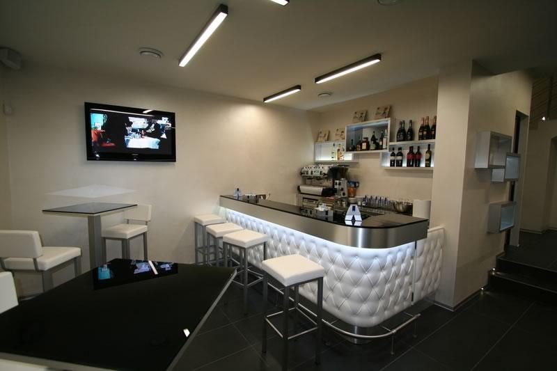 Tecnoarredo snc attrezzature per bar e ristoranti for Arredamenti bar ristoranti