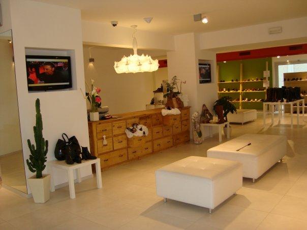 Maison store calzature e accessori moda delle grandi for Au maison online shop